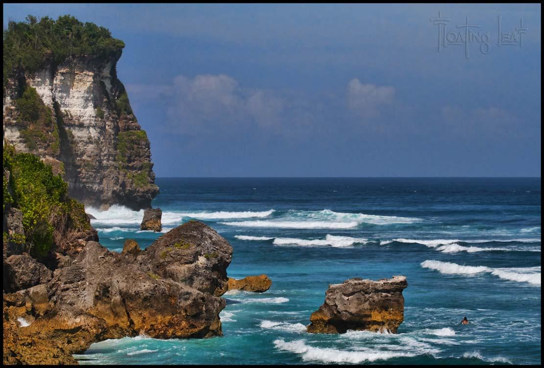 Surf-Bali-Uluwatu-Landscape