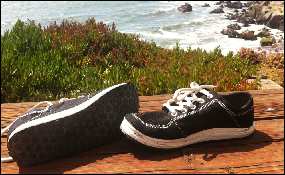 5 Options To Not Wearing Sneakers While On Vacation - The Travel Guru