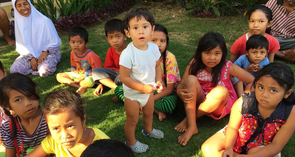 sukawati village children
