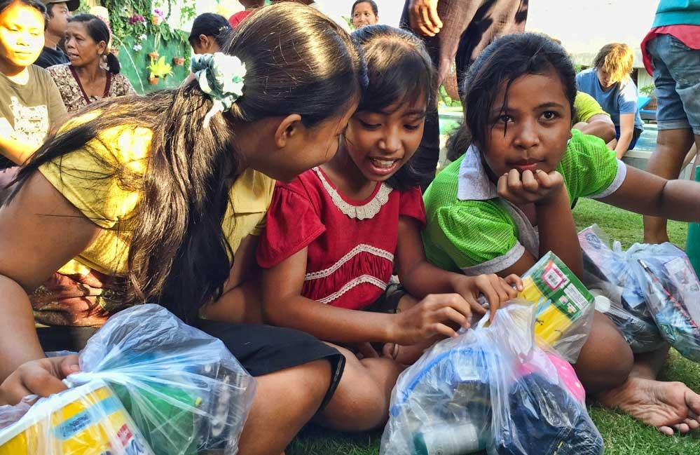 Young Balinese girls