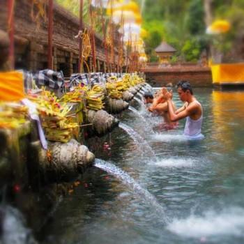 Balinese water ritual