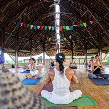 Yoga class Mangku