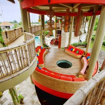 A Deluxe Eco-Luxury Retreat Center