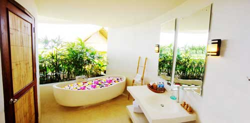 Deluxe bathroom with soak tub