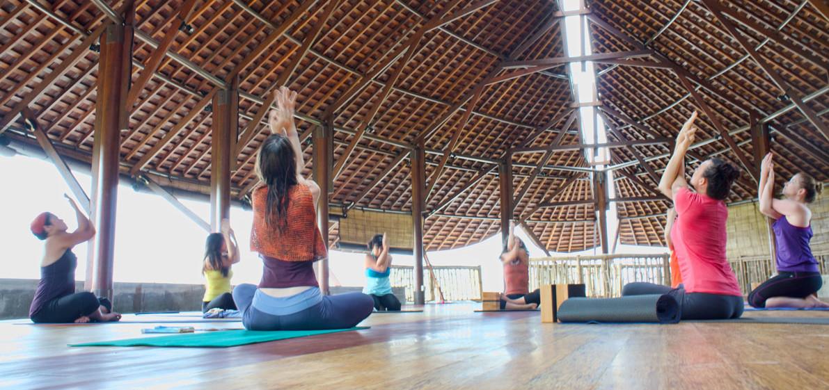 Bali-retreat-yoga-class-e1424321958708