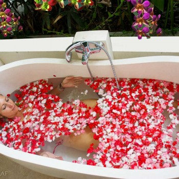 Fragrant flower bath