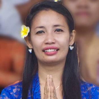 Dewi Lestari (Lis)