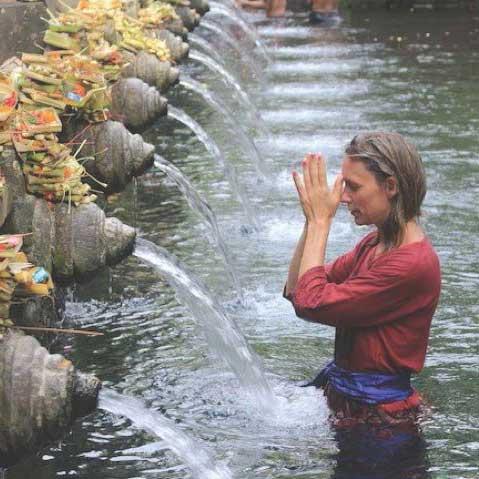 BALI HOLY WATER RITUAL